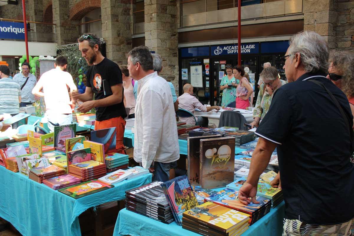 Le stand des libraires