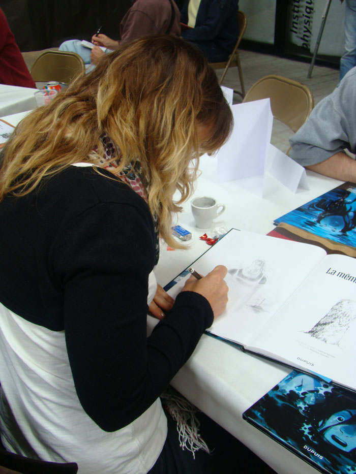 Valérie Vernay en dédicace